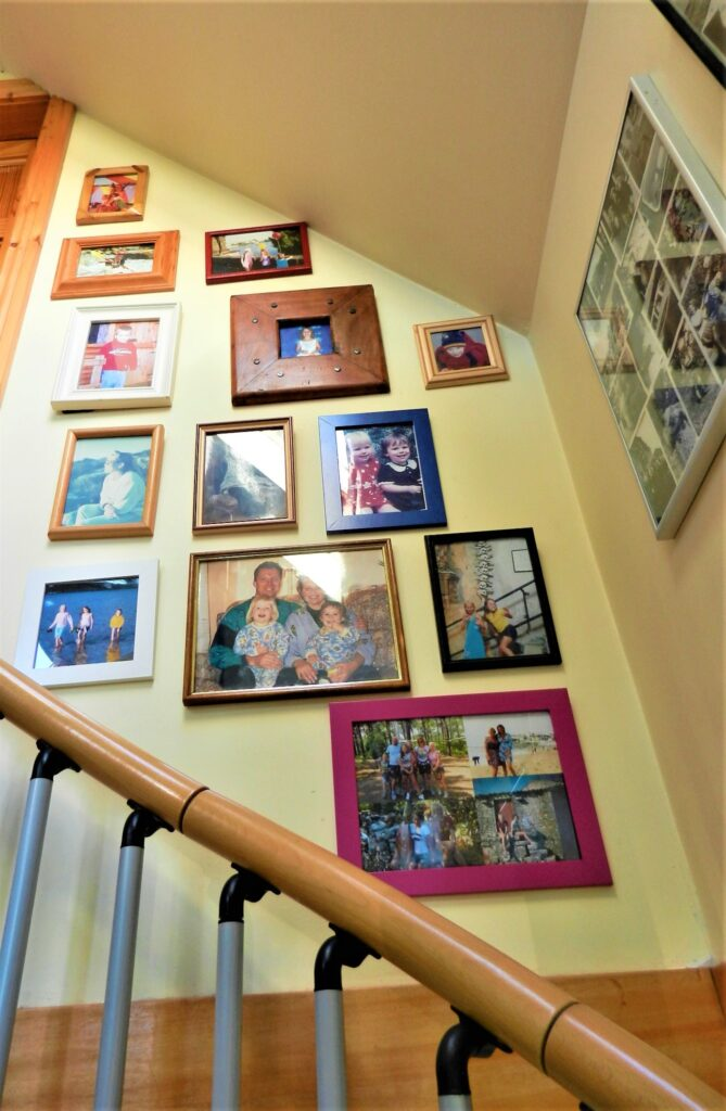 Organise your wall decor, gallery wall upstairs.